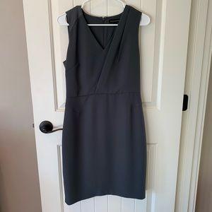 Banana Republic dress• Size 6•